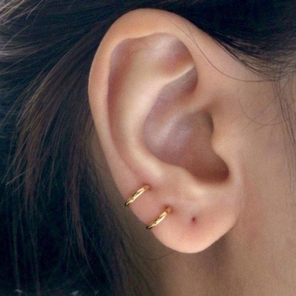 Jewelry - Plain Hoop Earrings (gold/silver colour)